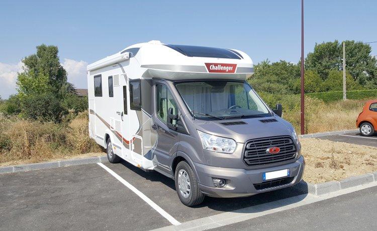 Location du Camping-car Profilé Challenger 398 Xlb Genesis Special Edition  2017 29d524f490c4
