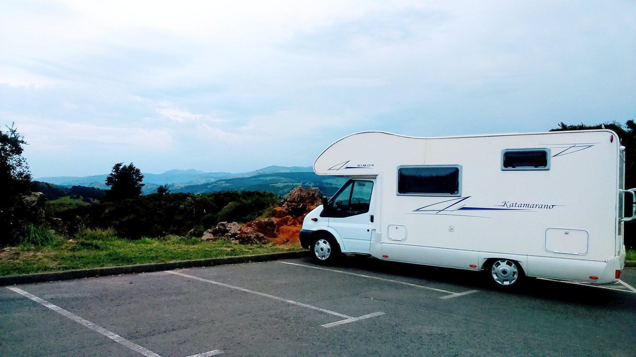 Alquiler de Autocaravanas y Furgonetas camper - Pamplona | Yescapa