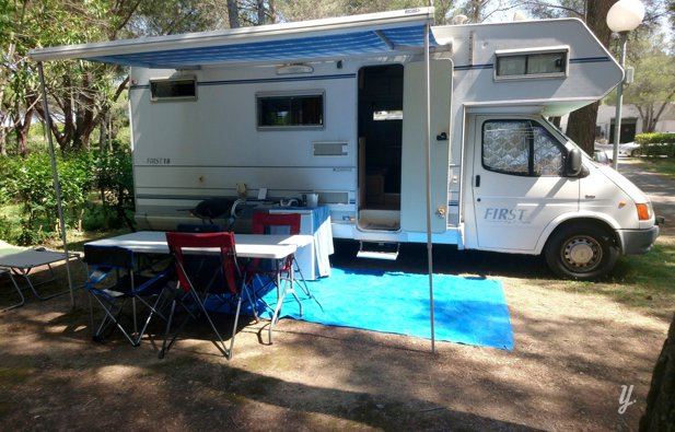 location camping car capucine antibes ford transit 1998 yescapa. Black Bedroom Furniture Sets. Home Design Ideas