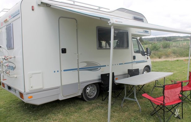 Location camping car capucine aix en provence adria - Location camping car salon de provence ...