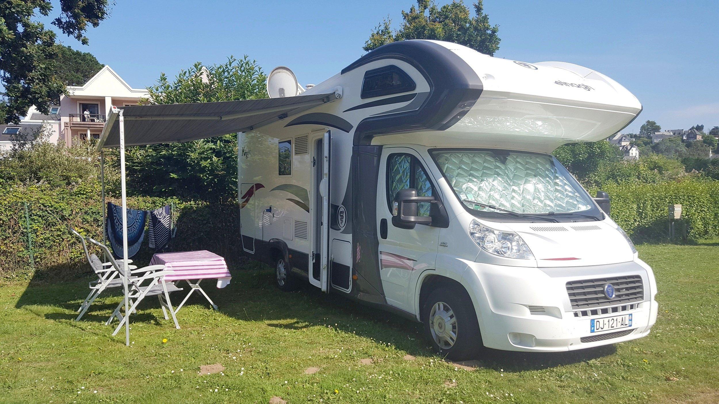 location camping-car capucine - thun-l u0026 39  u00c9v u00eaque
