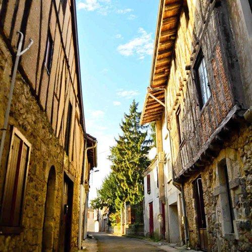 Casteljaloux, la cité des Cadets de Gascogne - Location de camping-cars
