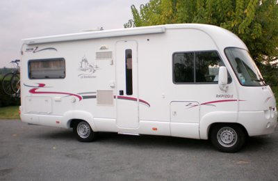 RV 'A' class Rapido 985M For rent in Saint-Paul-Lizonne