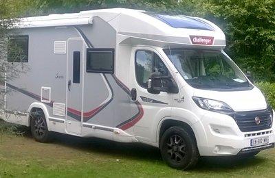 Camping-car Profilé Challenger Graphite 378 Xlb en location à Notre-Dame-De-Bondeville