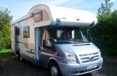 Camping-car Capucine Burstner Nexxo Family A694 en location à Sayat