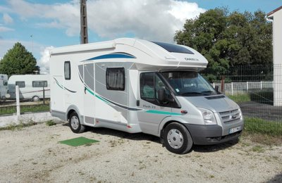 Camping-car Profilé Chausson Flash 22 en location à Ribérac