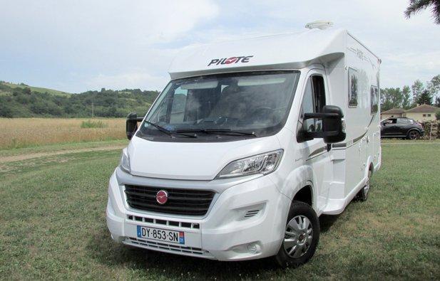 location camping car profil montesquieu volvestre. Black Bedroom Furniture Sets. Home Design Ideas