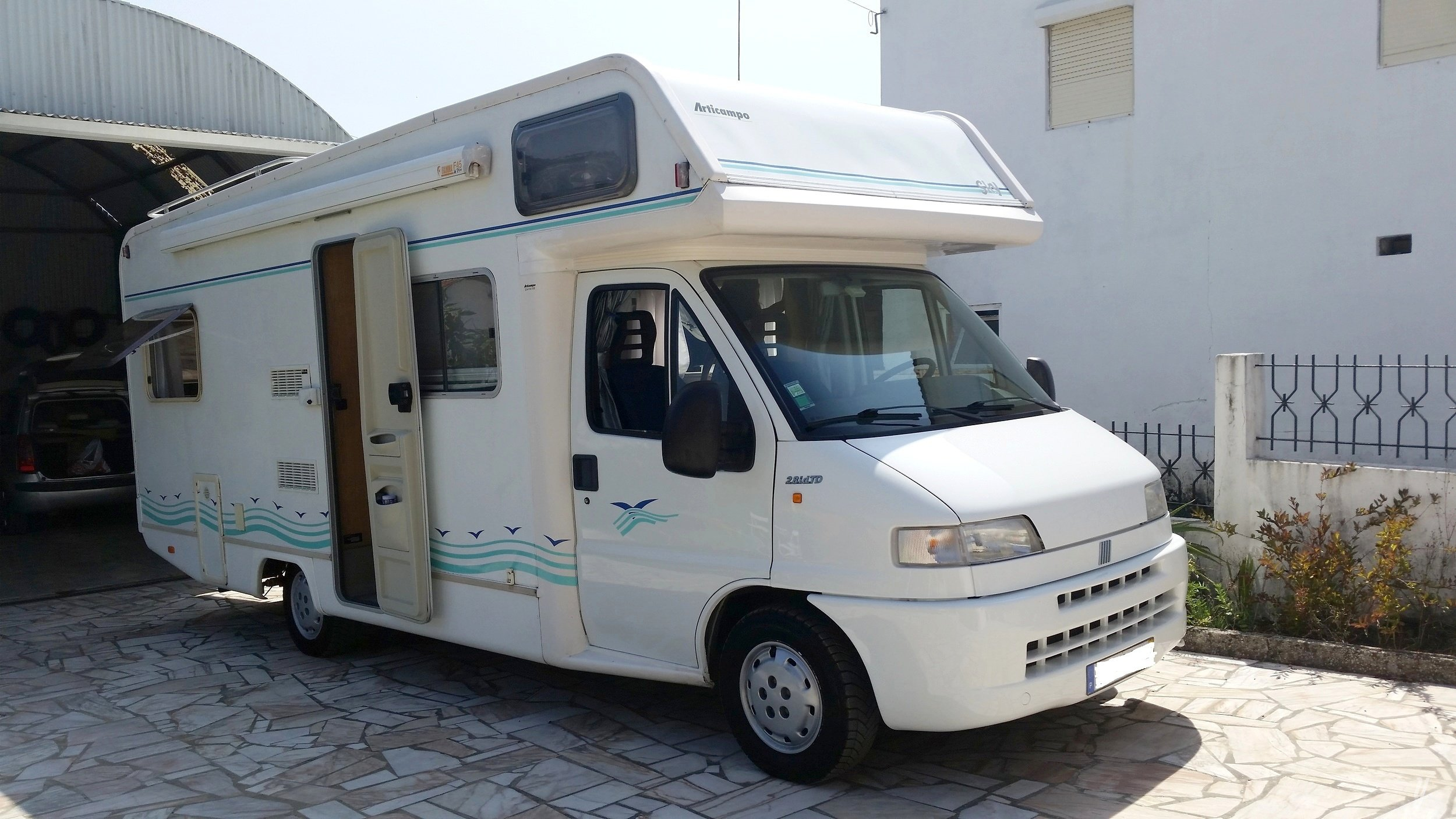Location Camping Car Capucine Odivelas Fiat Ducato 14 Tds Chassis Cabina 230blmac 2001 Yescapa