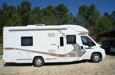 Camping-car Profilé Challenger Profile Genesis 377 en location à Eyvirat