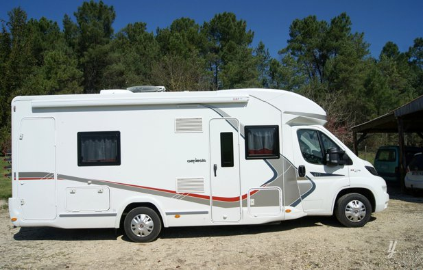 location camping car profil eyvirat challenger. Black Bedroom Furniture Sets. Home Design Ideas