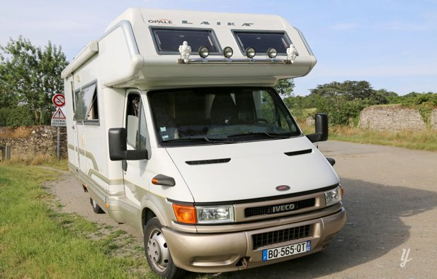 Location camping car capucine angers laika ecovip2 for Salon du camping car angers