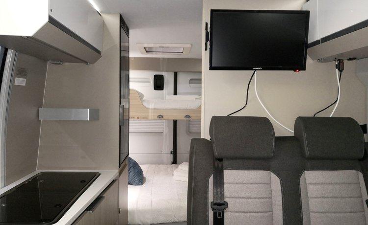 Rental Camper - Pontevedra - Adria Twin Plus 600 Spb Family