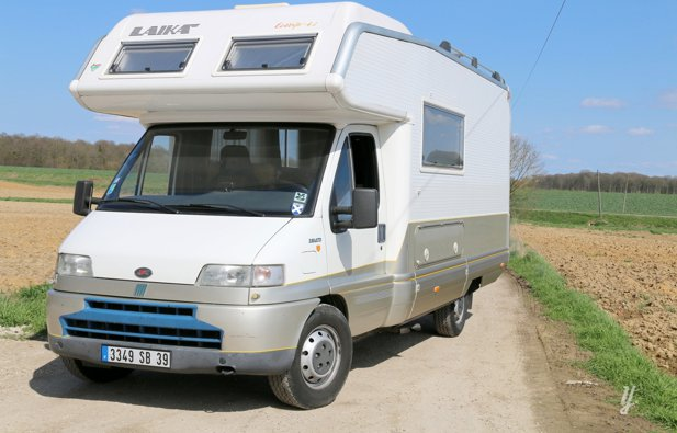 location camping car capucine saint aubin fiat ducato 2000 yescapa. Black Bedroom Furniture Sets. Home Design Ideas