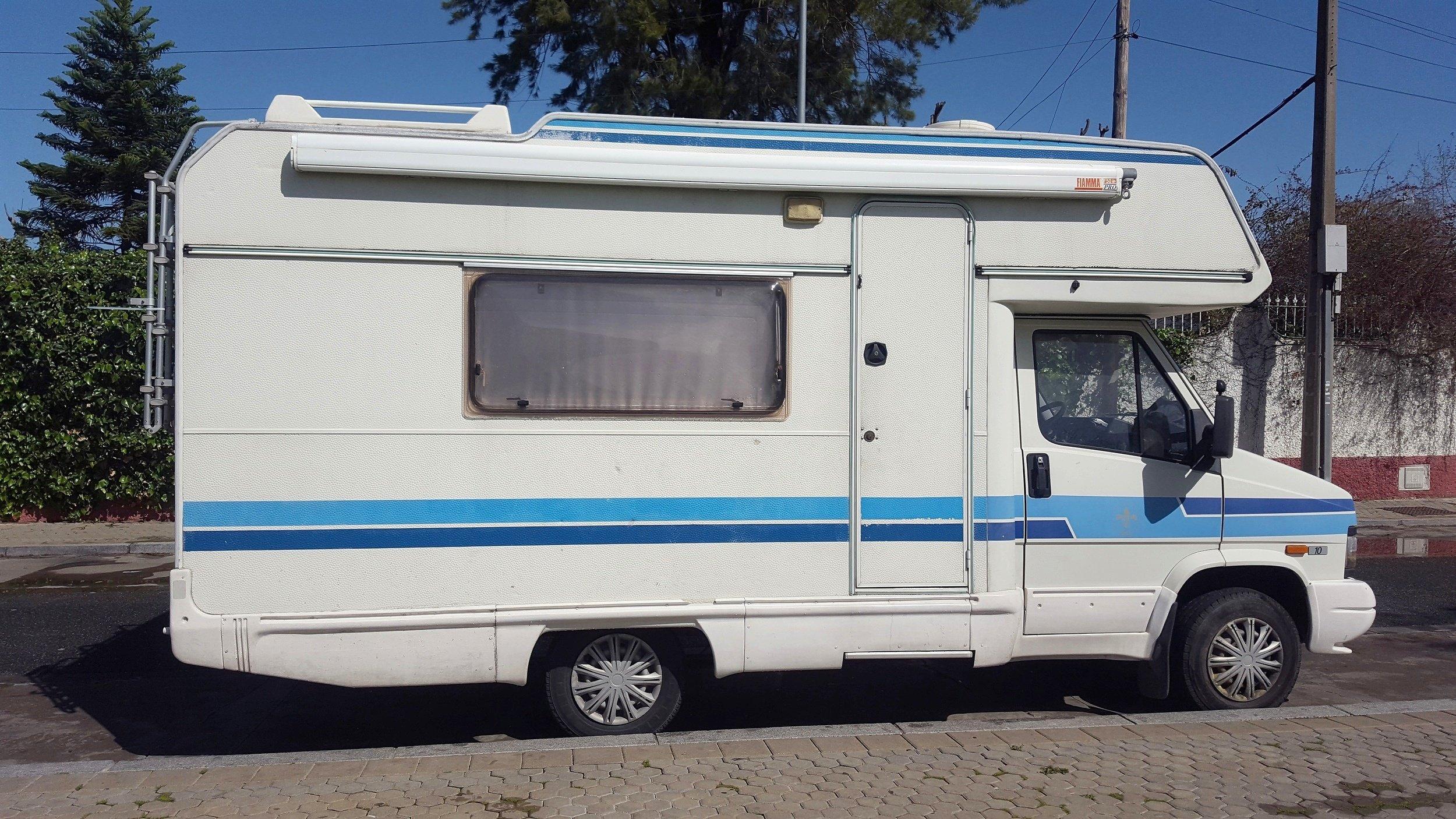 Alquiler de Autocaravanas y Furgonetas camper - Sevilla | Yescapa