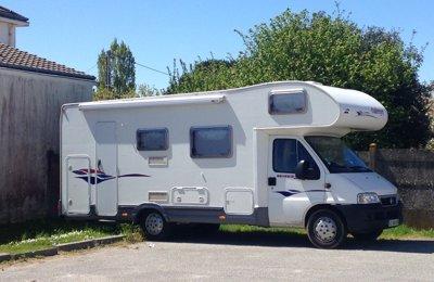 Camping-car Capucine Challenger Genesis en location à Pornic