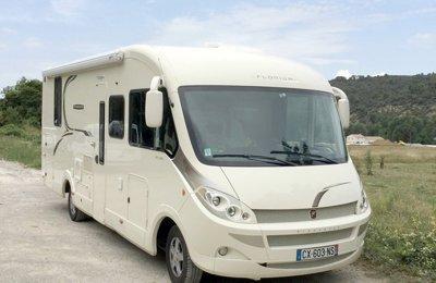 Camping-car Intégral Fleurette Florium Wincester 74 Lms en location à Allemagne En Provence