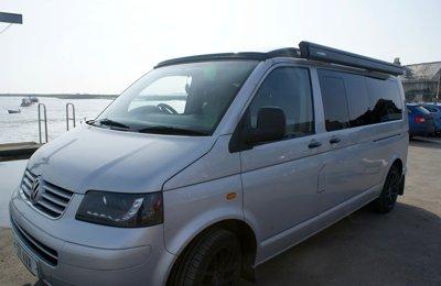 Van Vw Camper Van en location à Hunsdon
