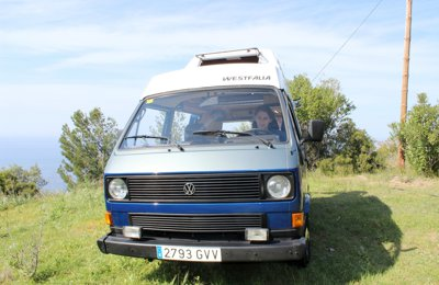 Converted van Volkswagen California T3 '82 Techo Elevado For rent in Palma