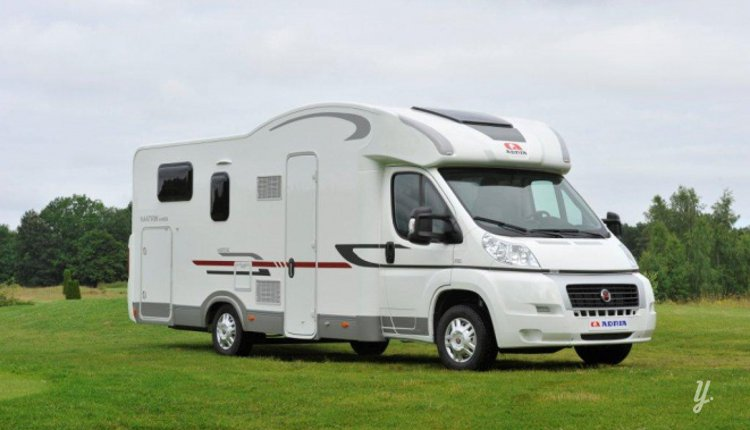 Location camping car profil nazelles negron adria for Location de garage pour camping car