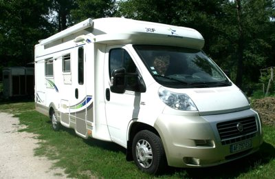 Camping-car Profilé Fiat Ducato Autostar Athenor 569 130 Chevaux en location à Chisséria