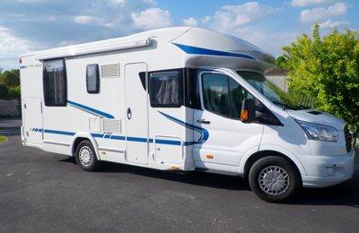 Camping-car Profilé Chausson 718 Eb Flash en location à Gimeux
