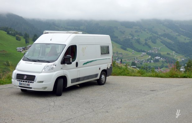 location fourgon am nag s te fiat ducato 2009 yescapa. Black Bedroom Furniture Sets. Home Design Ideas