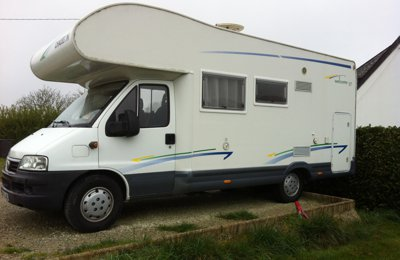 location camping car capucine pont croix fiat ducato elnagh 2005 yescapa. Black Bedroom Furniture Sets. Home Design Ideas