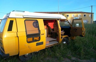 location de camping cars et vans store lat ral yescapa. Black Bedroom Furniture Sets. Home Design Ideas
