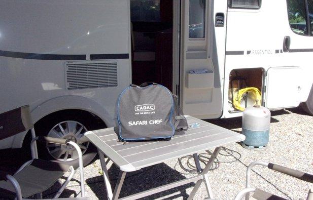 Viaggio con il Camper Semintegrale Pilote Essentiel P716