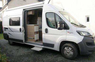 Fourgon aménagé Mc Louis Menfys Van 3 Deluxe en location à Saint-Brieuc