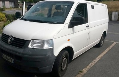 Fourgon aménagé Volkswagen T5 en location à Guérande