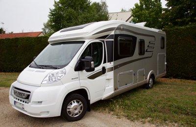 Camping-car Profilé Hymer Tramp Cl 678 en location à Cournon D'auvergne