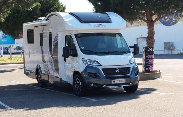 Viaggio con il Camper Semintegrale Roller Team Granduca 265 Tl