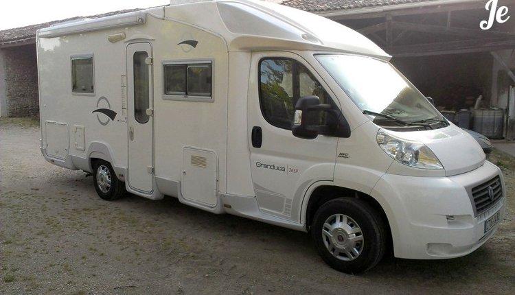 location camping car profil negrepelisse trigano granduca 2007 yescapa. Black Bedroom Furniture Sets. Home Design Ideas