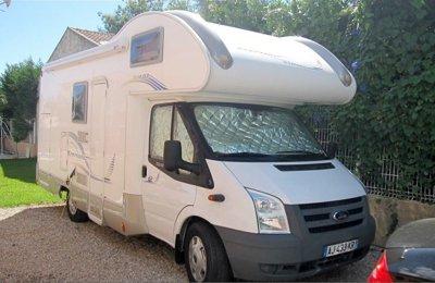 Camping-car Capucine Rimor Katamarano 8 en location à Lucciana