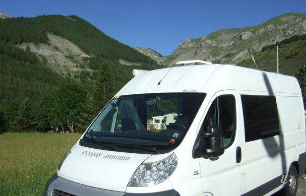 location fourgon am nag nice fiat ducato 120 ch 2008 yescapa. Black Bedroom Furniture Sets. Home Design Ideas