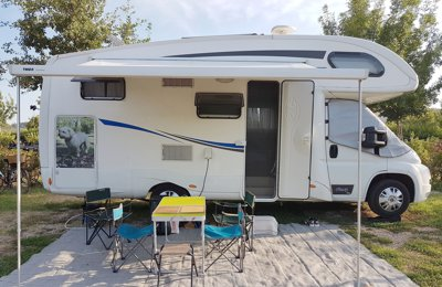 RV Coachbuilt Plasy P72 For rent in Paris-15e-Arrondissement