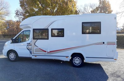 Location de camping cars et vans provence alpes c te d - Location camping car salon de provence ...