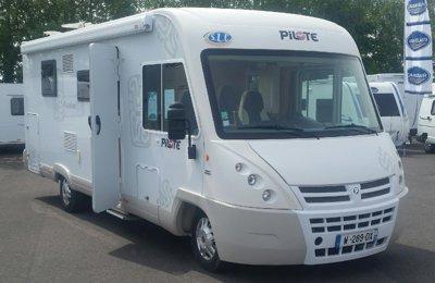 Camping-car Intégral Pilote Avantura en location à Laillé