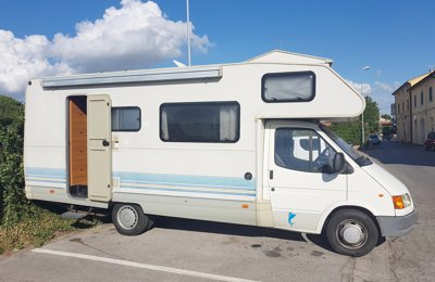 Camper Mansardato Ford Marling condiviso a Cascina