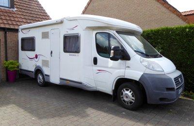 Camping-car Profilé Challenger Genesis38 en location à Villeneuve-D'ascq