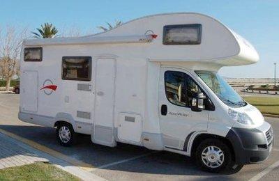Camping-car Capucine Auto-Roller Team 2 en location à Le Taillan Medoc