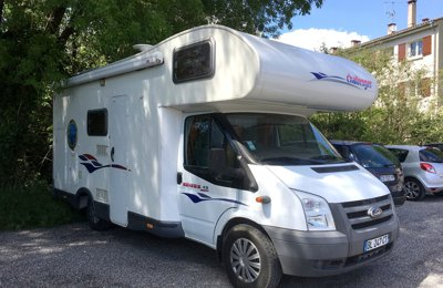 Camping-car Capucine Challenger Genesis 43 en location à Vidauban