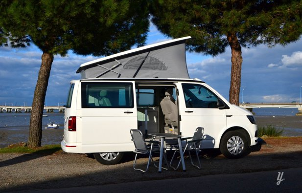 location van rennes volkswagen california t6 coast 2017 yescapa. Black Bedroom Furniture Sets. Home Design Ideas