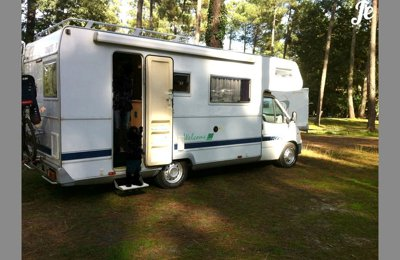 RV Coachbuilt Ford Transit Chausson Welcome 30 For rent in Le Taillan-Médoc