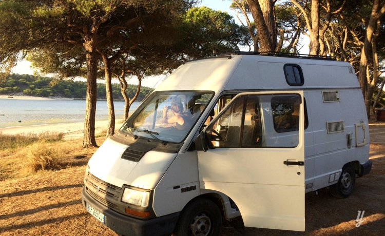 Location Fourgon aménagé - Angresse - Renault Trafic 1993   Yescapa