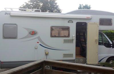 RV Coachbuilt Dethleffs Esprit For rent in Clonas Sur Vareze