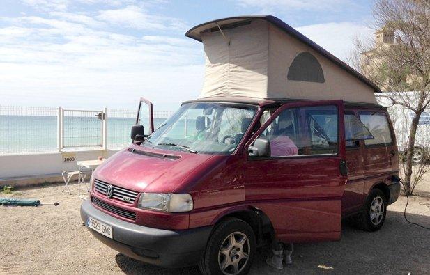 location van barcelone volkswagen california t4 7dw tdi 1999 yescapa. Black Bedroom Furniture Sets. Home Design Ideas