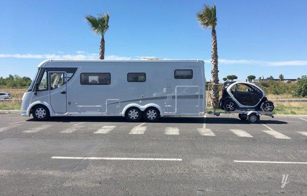 location camping car int gral menton camping car integrale poids lourd dethleffs i7870. Black Bedroom Furniture Sets. Home Design Ideas