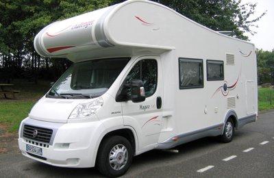 Camping-car Capucine Châssis Et Motorisation Fiat Multijet 130 - Cellule Challenger Magéo 161 en location à Châteauneuf-De-Galaure